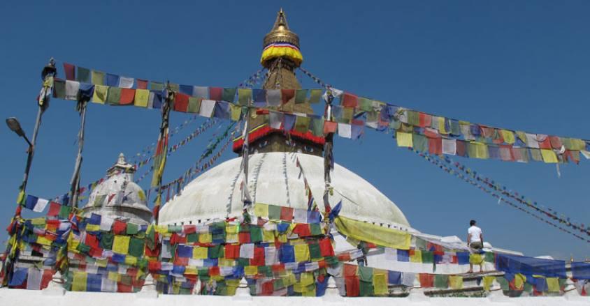 Kathmandu Valley sightseeing Tour / biggest Buddhist stupa Buddhanath in Kathmandu.