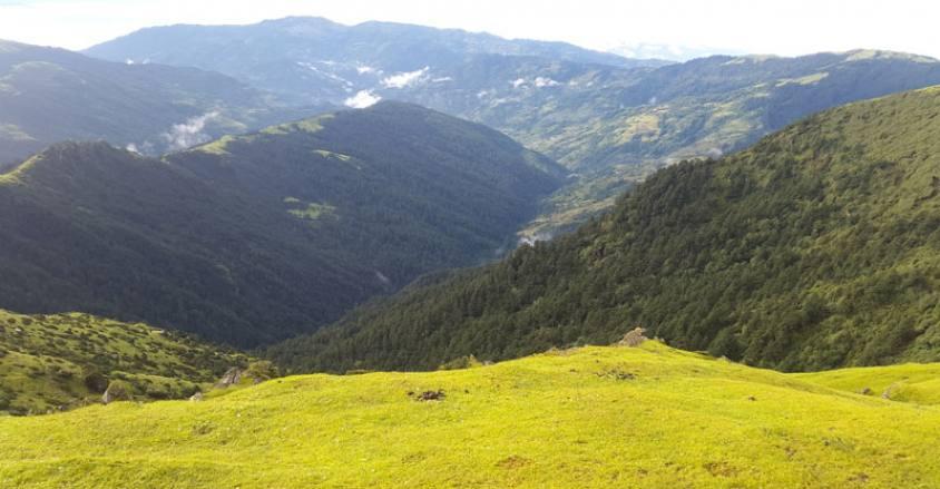 Trekking in Lower Everest region / Pikey Peak