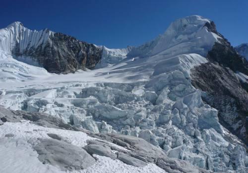 Langsisa Ri Climbing