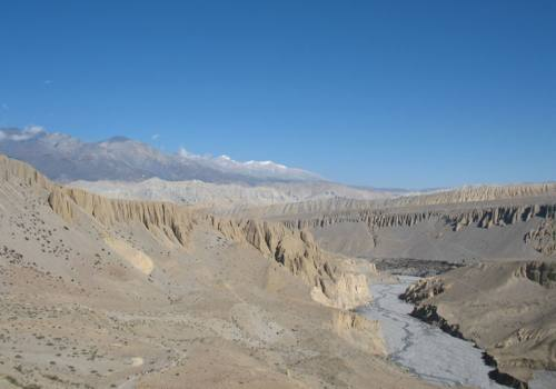 Trekking in upper Mustang